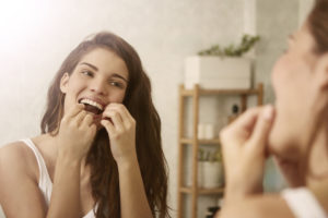 7 Little Ways to Take Care of Your Teeth During the Day